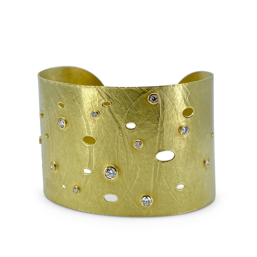 Wafer Cuff in 18K yellow gold with diamonds and perforations