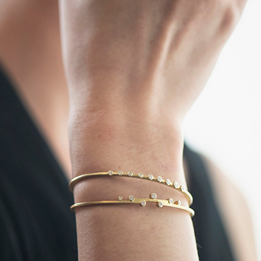 Linear Cuff Bracelet in 18K Gold with Diamonds