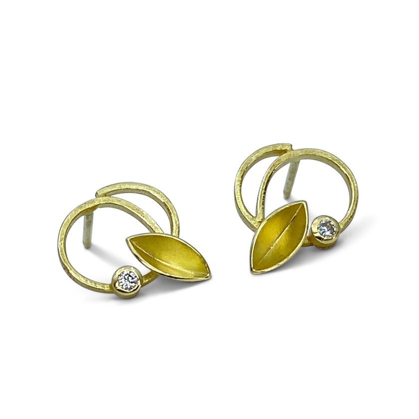 """Twirling leaves"" earrings in 18K yellow gold and diamonds"