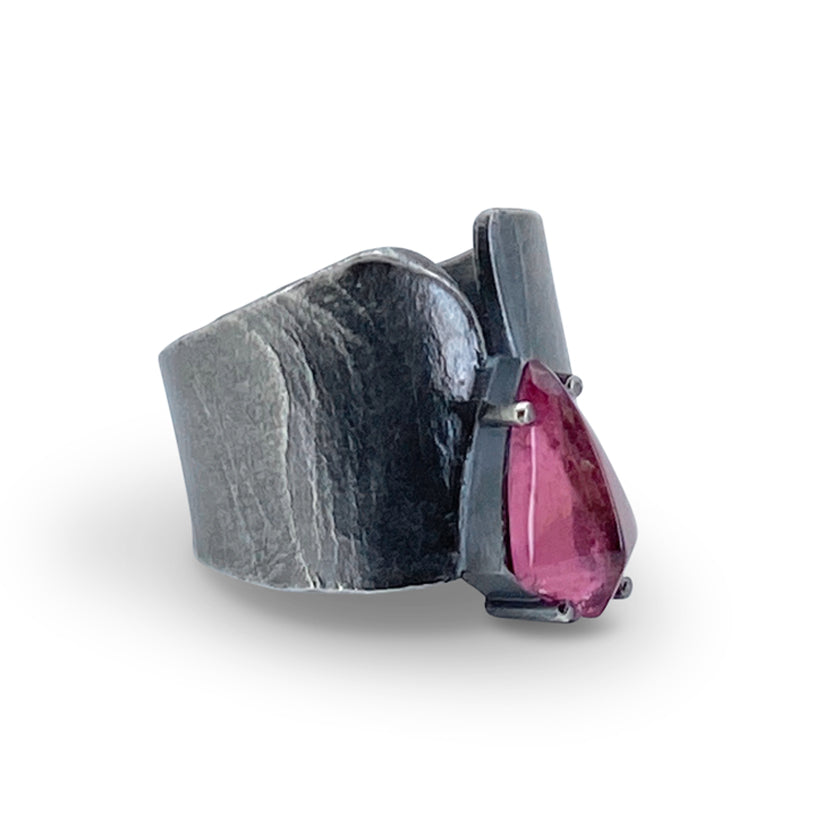 Wafer ring in sterling silver with cabochon pink Tourmaline