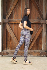 Load image into Gallery viewer, Vintage Camo Motto Jeggings