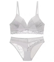 Load image into Gallery viewer, Andra Athlète Lace-Trimmed Stretch-Jersey Soft-Cup Bralette