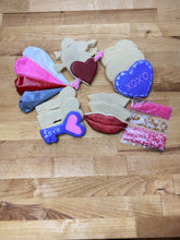 Load image into Gallery viewer, Valentines decorate your own cookie kit