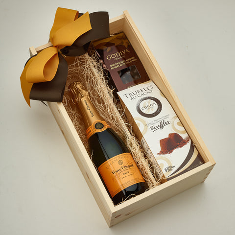 Wedding Gifts with Champagne Toronto Delivery