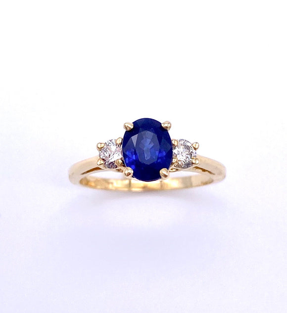 Oval Shaped Sapphire and Diamond Ring C096ROZ86