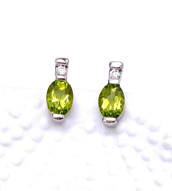 Oval Peridot Earrings F20141-1018W34
