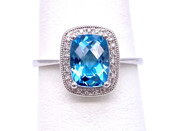 Classically designed Blue Topaz Ring C223R11416