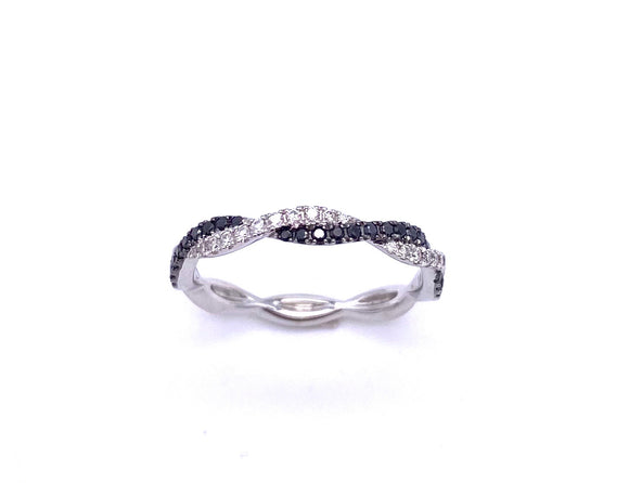 Black and White Diamond Twist Ring A093KR3244W
