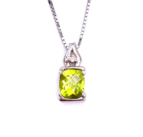 Peridot Necklace with A Diamond Accent F096P0170