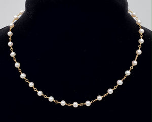 Petite Pearl and Yellow Gold Necklace F223N0009/16