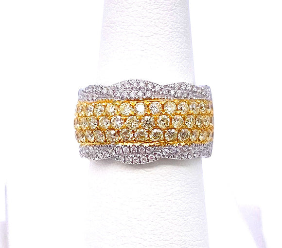 Yellow and White Diamond Ring in 18K Gold A093MR40