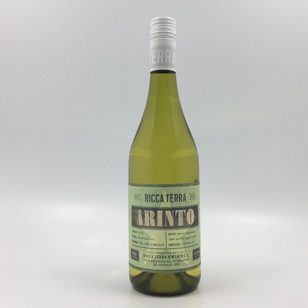 bottle of ricca terra arinto 2018 white wine from cultivate local