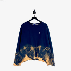 Distressed Champion Sweatshirt - XXL