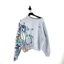 Load image into Gallery viewer, Nike Candy Sweatshirt - L