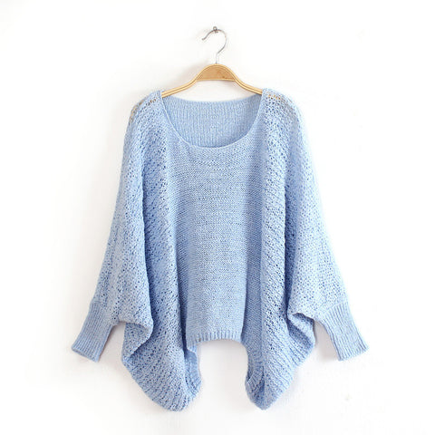 Bet Wing Sweater in Beige in Blue