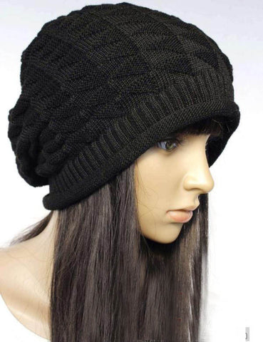 Slouchy knitted hat in Beige
