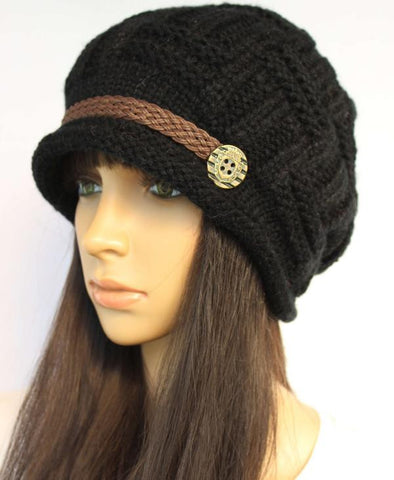 Slouchy knitted Hat in Black