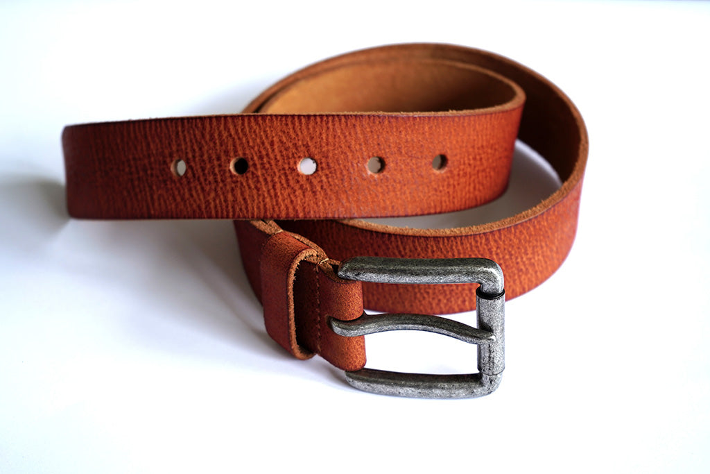 Stylish, casual men's leather belt with antique nickel buckle (stitched)