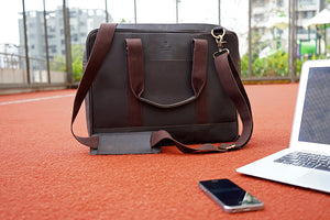 "15.6"" Pure Brown Leather Laptop Bag with Multiple Pockets"