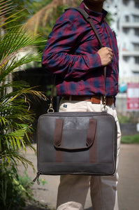 "15.6"" Pure Brown Leather Laptop Bag Model Image"