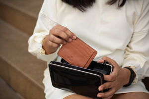 card holder for men and women to carry along in laptop or clutch