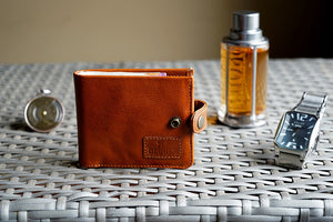 Pure leather tan colour men's wallet with button
