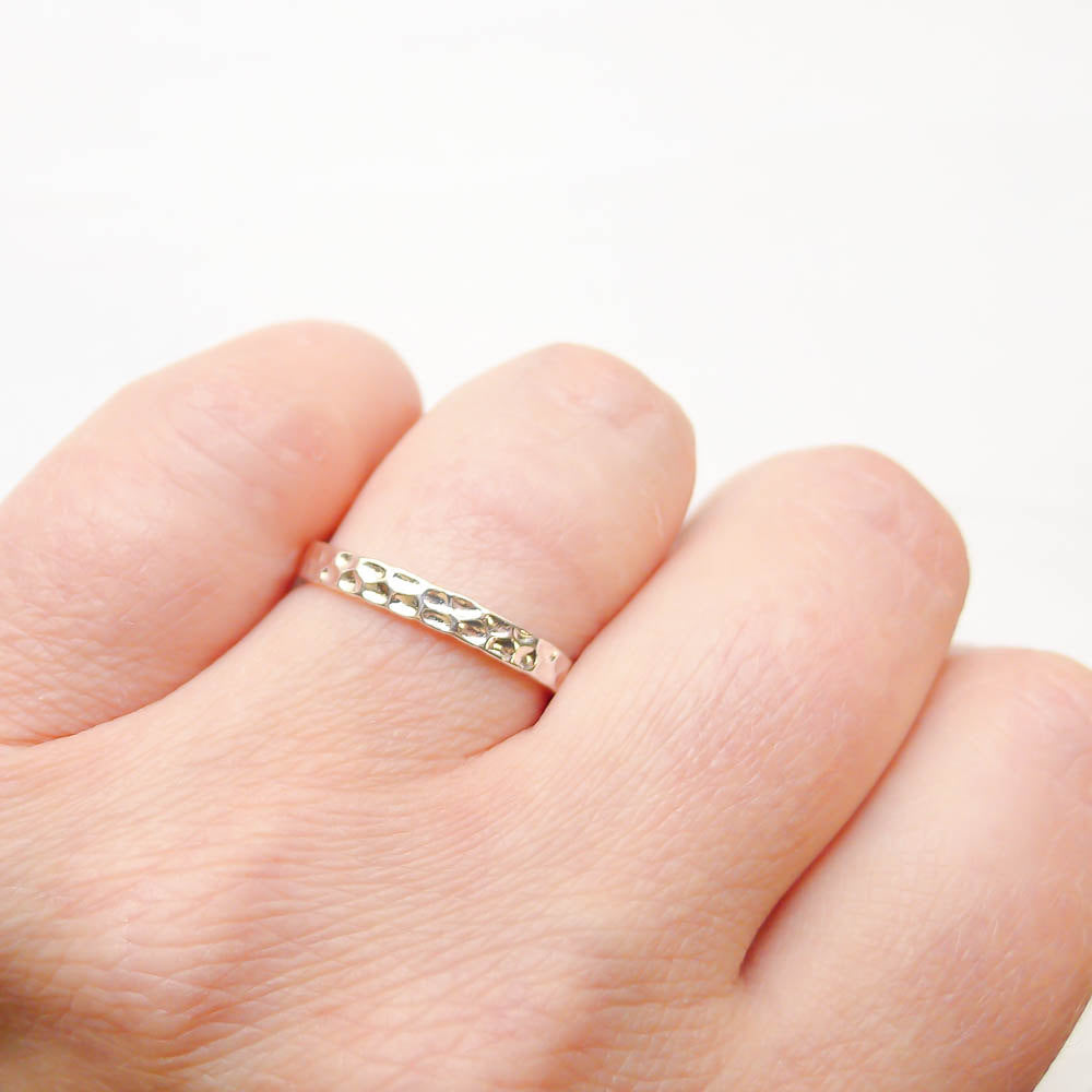 Size 8 Silver Hammered Ring  2.5mm (RHSR328)