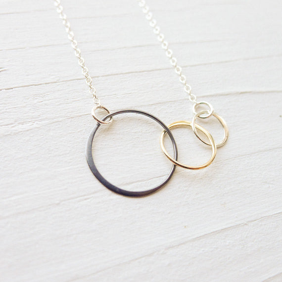 Mixed Metal Interlocking Circle Necklace