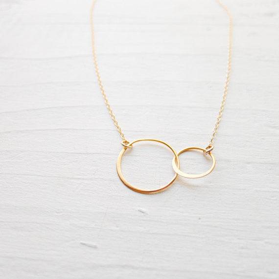 Interlocking Circle Necklace {Silver or Gold}