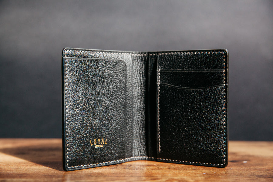 Vertical Card Wallet - Graphite Alligator / Black Chévre