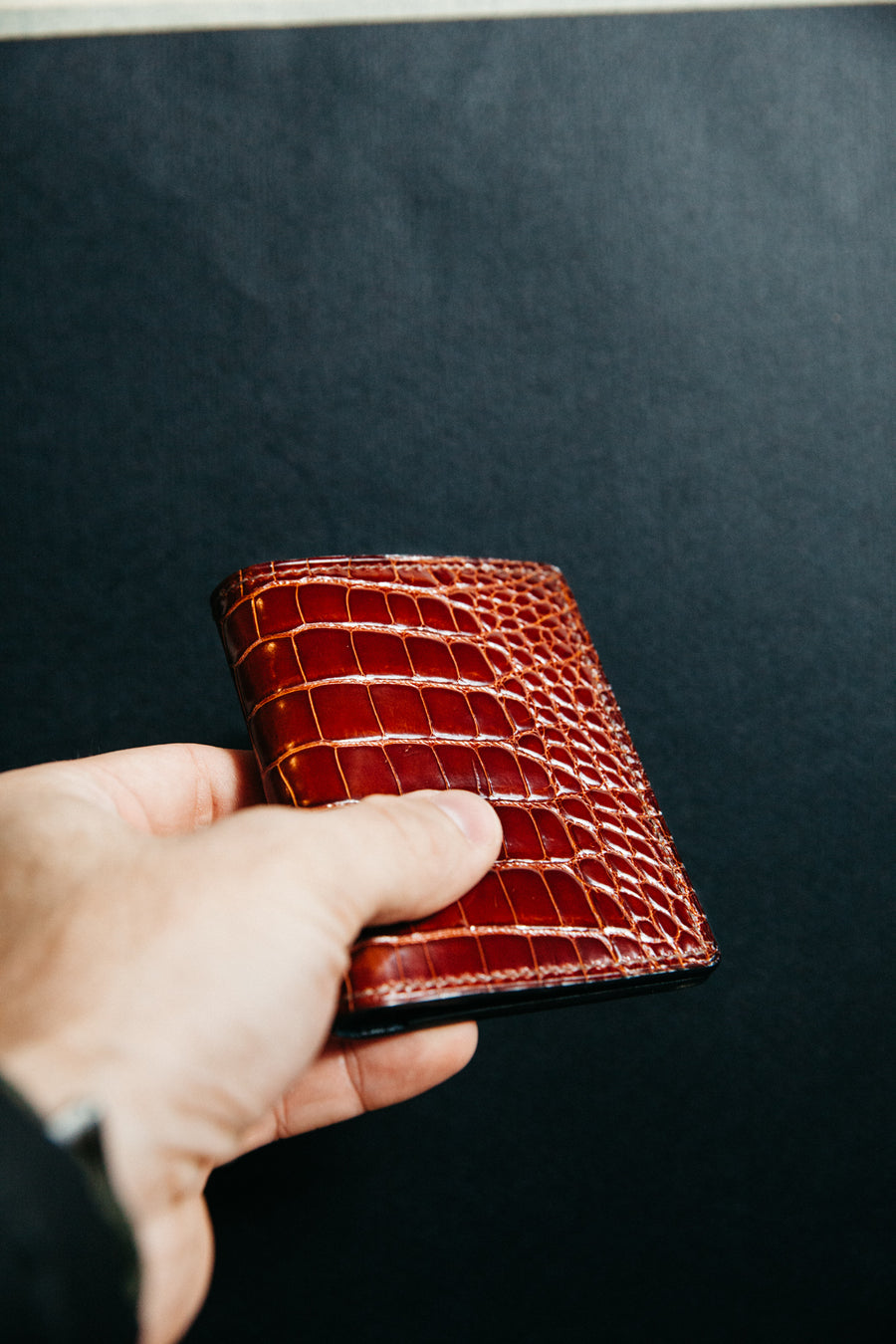 Vertical Card Wallet - Peanut Alligator / Marine Chévre