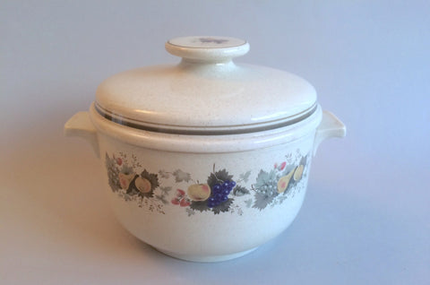 Royal Doulton - Harvest Garland - Thick Line - Casserole Dish - 2pt - Round - The China Village