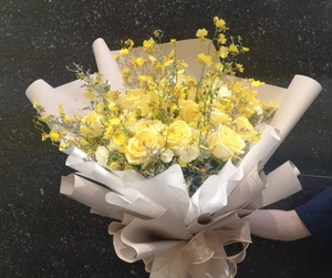 Yellow Roses | Hand Bouquet