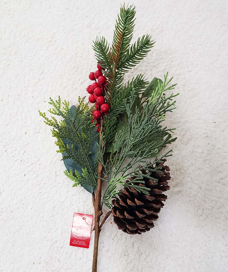 "20"" BERRY/MIXED PINE/Pine Cone Spray"