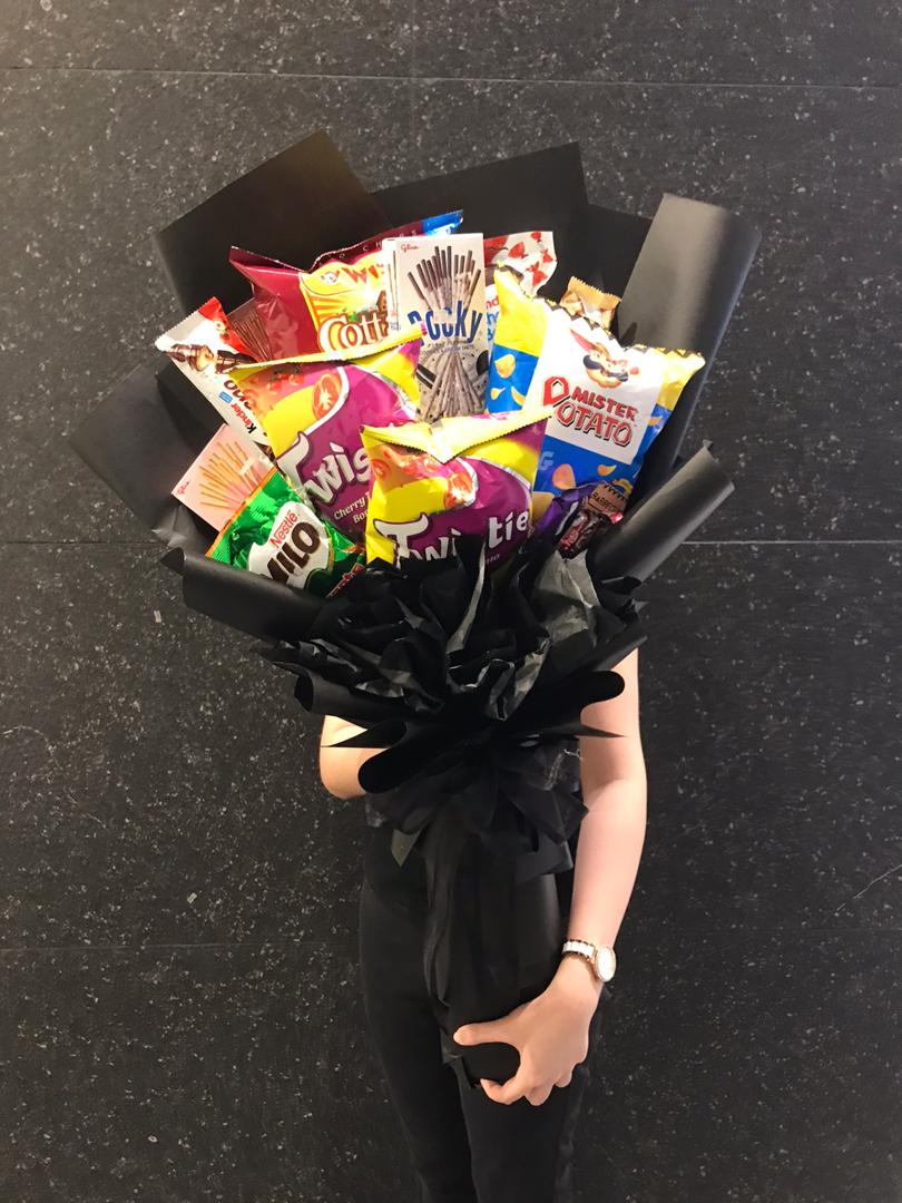 Giant Snack Bouquet