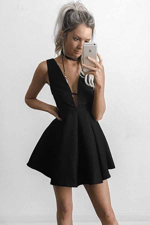 Sexy Deep V-neck Black Short Homecoming Party Dress with Cut-out Side GM264