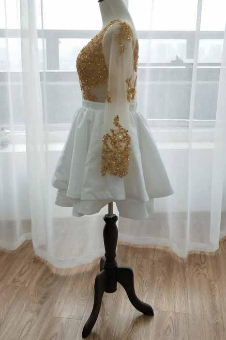 Long Sleeve Short Prom Dress Gold Appliques White Homecoming Dress GM246