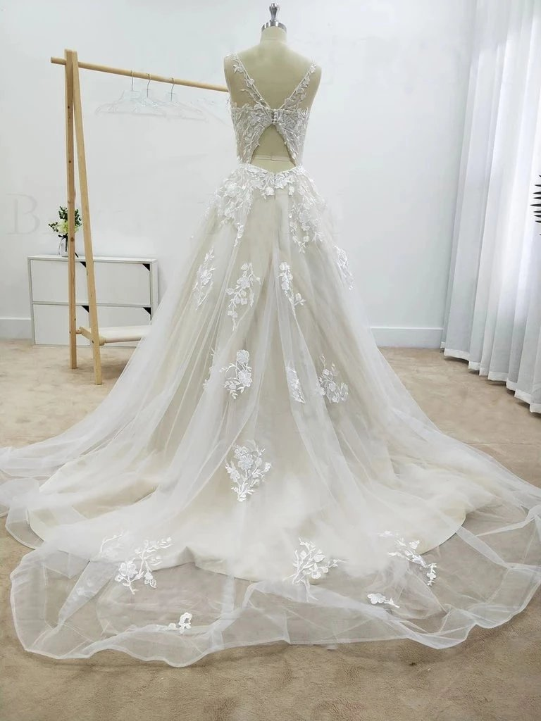Tulle A Line Round Neckline Floral Appliques Beach Wedding Bridal Dresses PW108