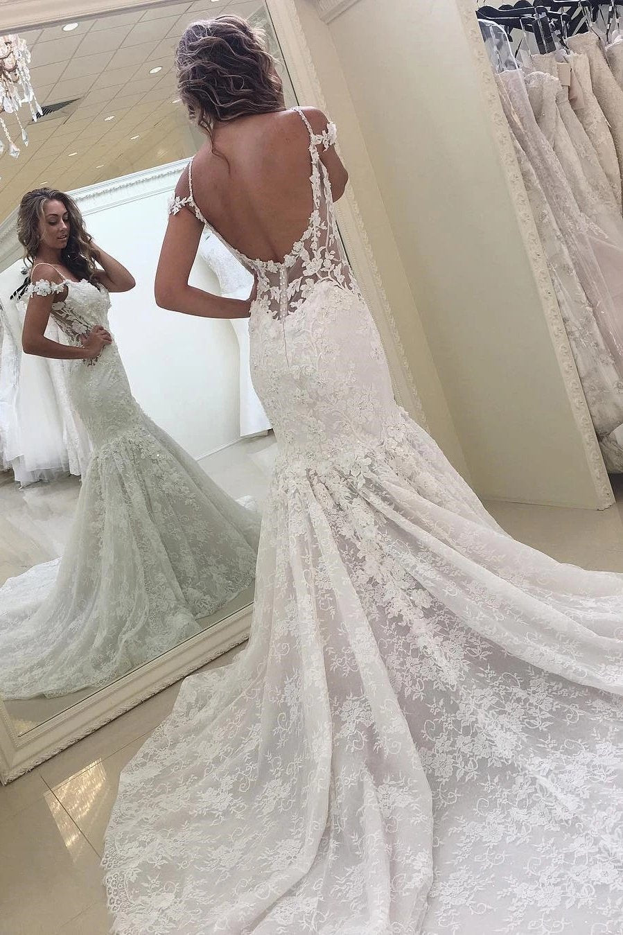 Lace appliques backless wedding dresses sleeveless mermaid bridal gown mg687