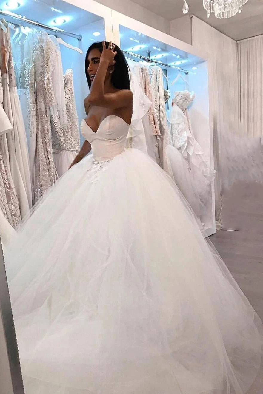 Long Sweetheart Tulle Sleeveless Wedding Dresses With Appliques PW351