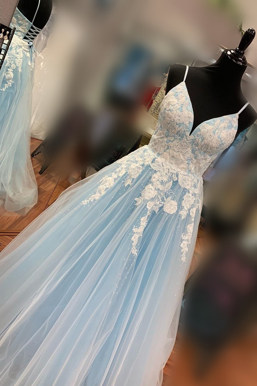 Elegant a-line v neck tulle long prom dress with appliques mg118
