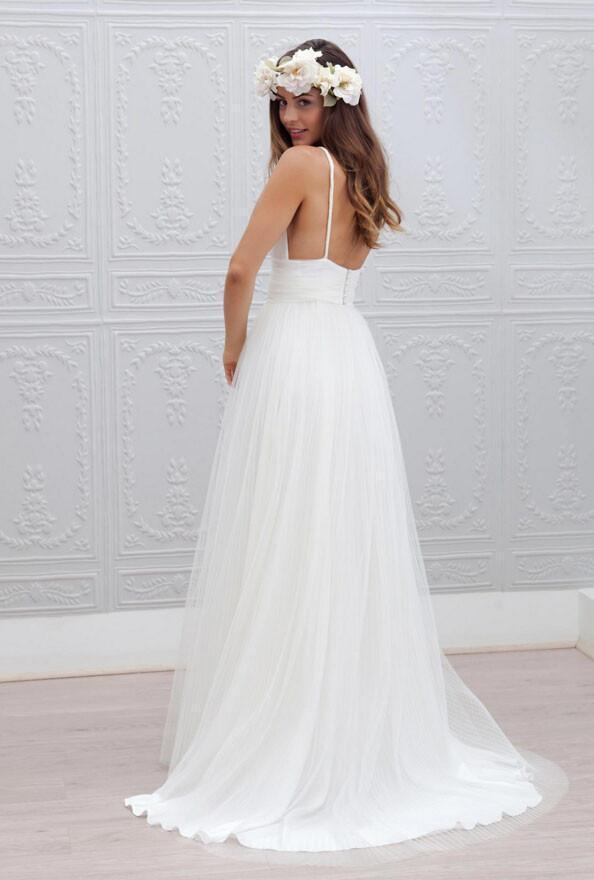 Simple Spaghetti Straps Backless Wedding Dress Tulle Beach Bridal Gown PW394
