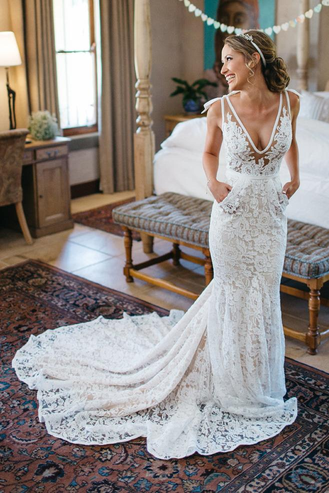 charming mermaid v neck backless lace beach wedding dress with pocket pw278