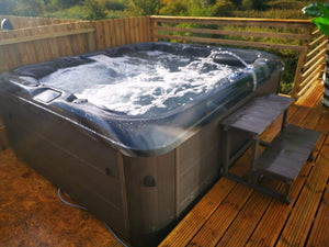 Hot Tub Delivery Bromborough, Wirral