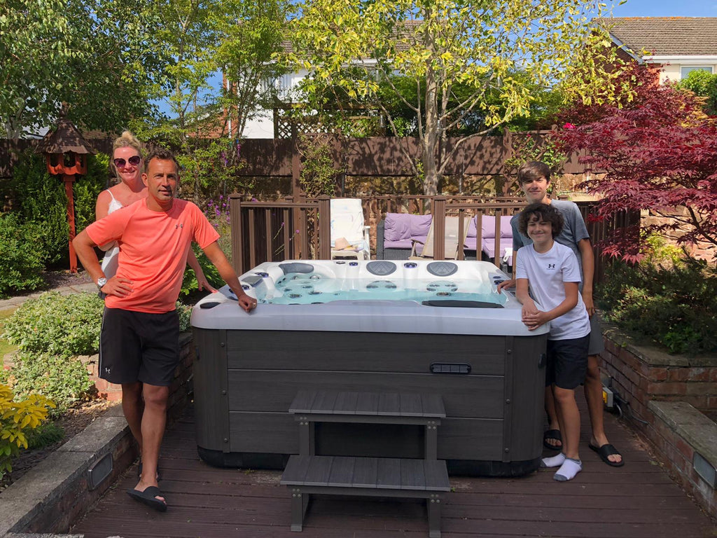 Hot Tub Delivery Neston, Wirral