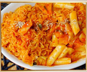 Stir-Fried Rice Cake With Ramen (Rabokki)