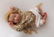Laden Sie das Bild in den Galerie-Viewer, 20 '' Riley Truly Baby Girl Doll Girl -- Realistic Handmade Birthday Present