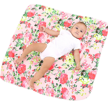 Laden Sie das Bild in den Galerie-Viewer, Adorable baby Swaddle Blanket And Headband Set