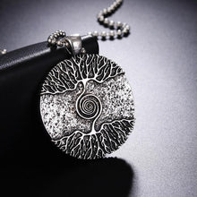 Charger l'image dans la galerie, Yggdrasil Tree of Life Pendant