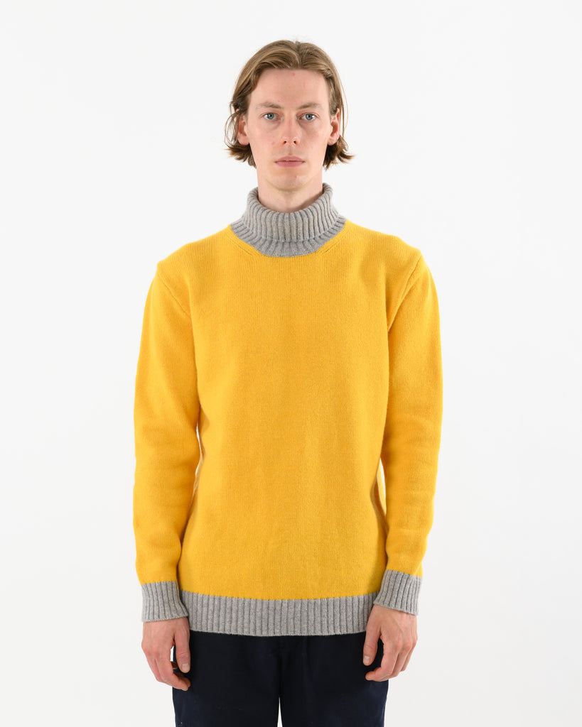 Turtle Contrast Lambswool • Yellow